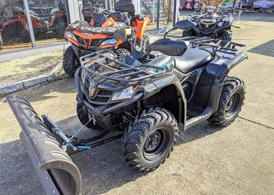 ATV Quad Modell CFMOTO CForce 450 One EFI 4×4 27 PS 400 ccm LOF Schneeschild (1)