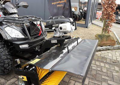 Anbaukehrmaschine für ATV Quad mit Honda – Motor (4)