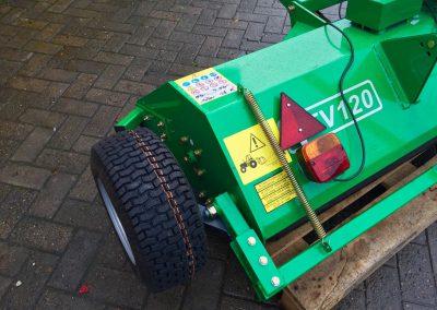 Schlegelmulcher GEO ATV 120 -Quadanbau mit Beleuchtungsanlage (3)