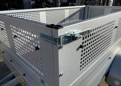 gebremster Anhänger ideal hinter dem Quad 2020×1075 Gitteraufsatz Straßenzulassung (5)