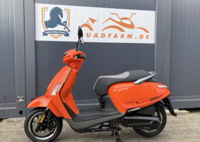 Roller, Scooter Motorroller 125 ccm
