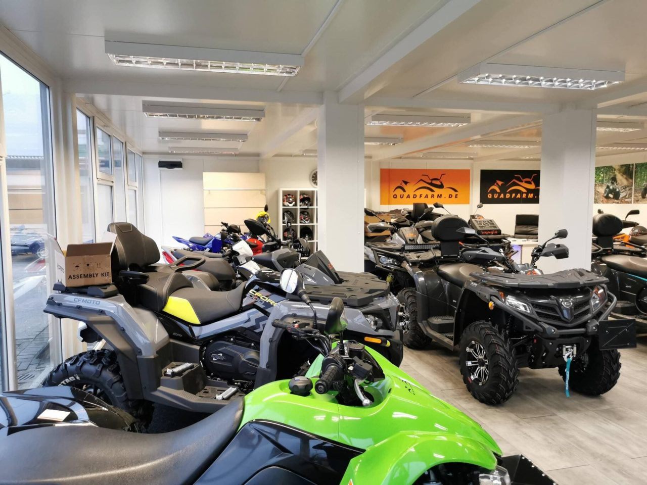 QUADFARM Showroom