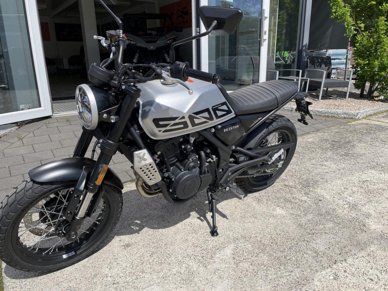 Motorrad Brixton Crossfire 500 X, Modell 2021, ABS u. Euro 5 silber