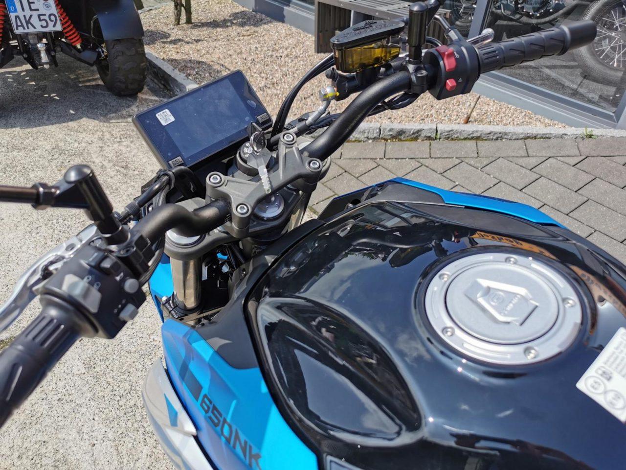 Motorrad, Naked Bike CF Moto 650 NK, ABS, Euro 5 Modell